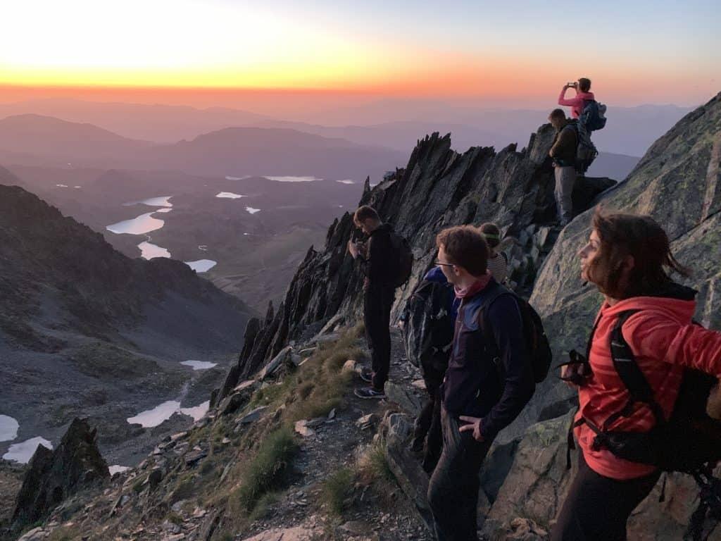 Le pic Carlit Pyrénées orientales, un départ de nuit pour arriver au sommet au lever du soleil