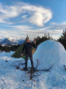 stage randonnée raquettes à neige itinérance montagne enneigée, développer ses connaissances sur le milieu montagnard l'hiver