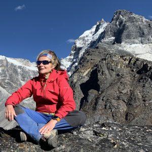 vos activités de randonnée pédestre, raquettes à neige, marche nordique dans les Pyrénées Orientales avec professionnel de la montagne